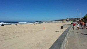 View north to Crystal Pier from the Pacific beach boardwalk.