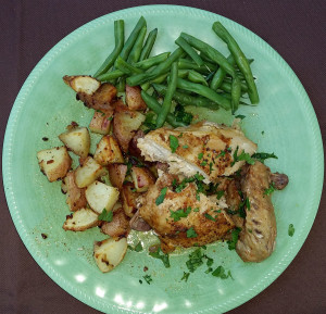 Slow cooked chicken with garlic red potatoes and green beans