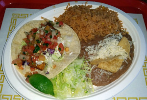 Fish taco plate at Seńor Taco