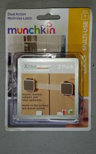 Munchkin Xtra Guard latch